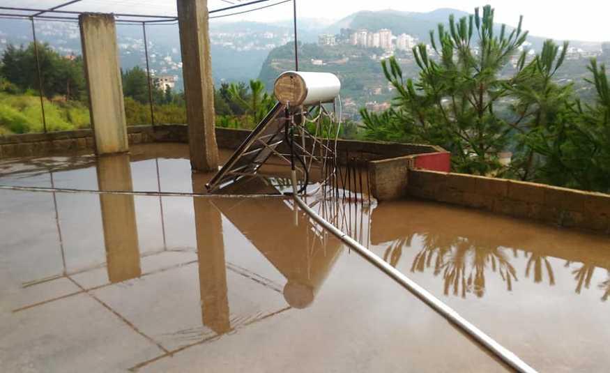 أمطار متفرقة فوق مرتفعات الضنية