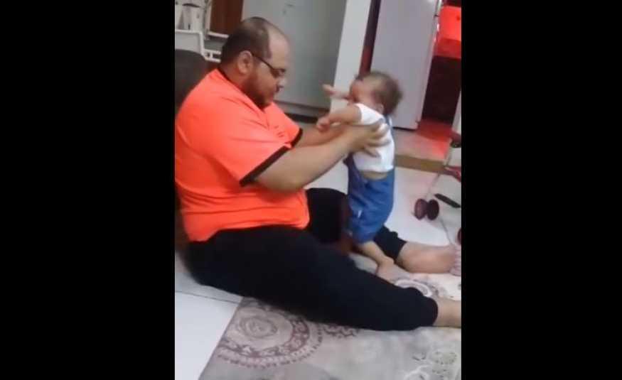 فيديو لأب يضرب ابنته بشكل وحشي يشعل مواقع التواصل