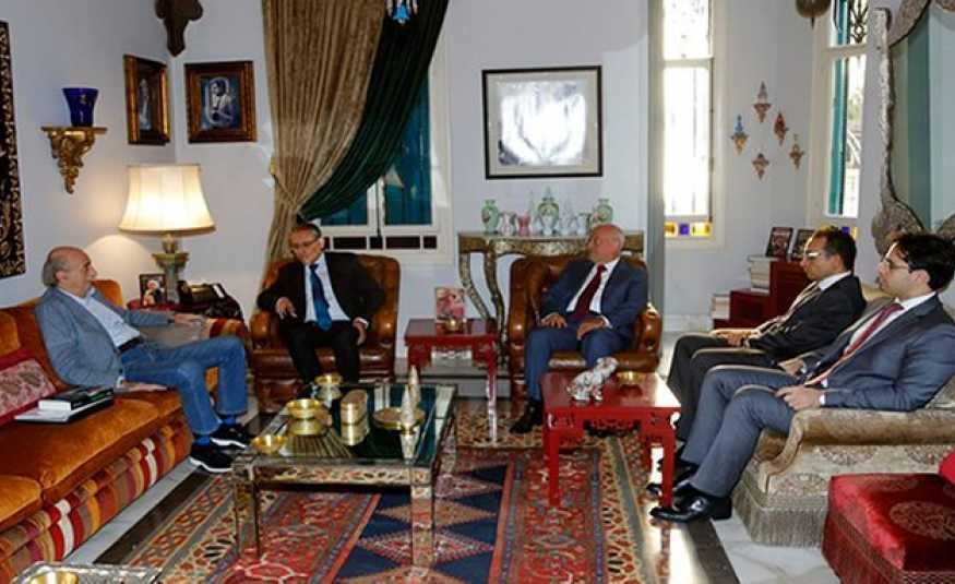 جنبلاط يعرض والسفير المصري نتائج زيارته للسيسي