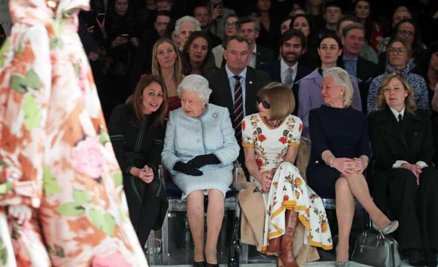 بالصور.. الموضة اللندنيّة بحلّتها الملكيّة
