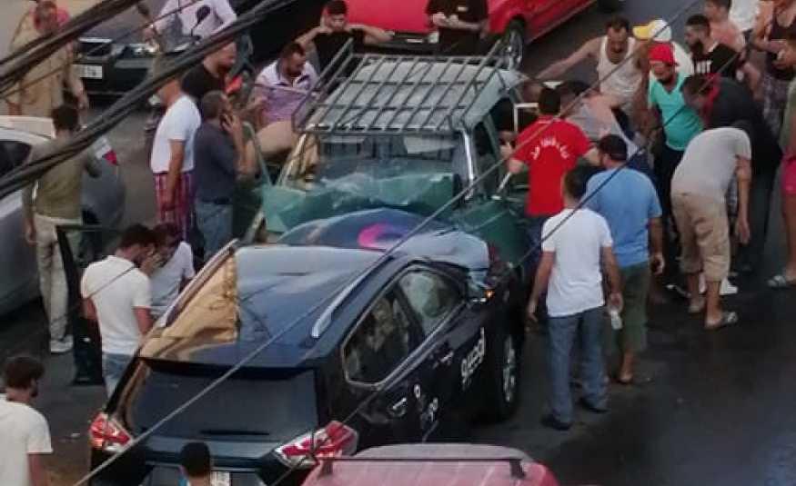 بالصور.. ٣ جرحى بحادث سير على طريق عام حارة صيدا