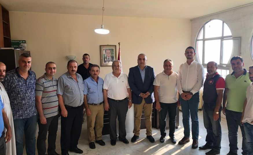 وفد من منسقية الضنية يزور رئيس بلدية السفيرة مهنئاً