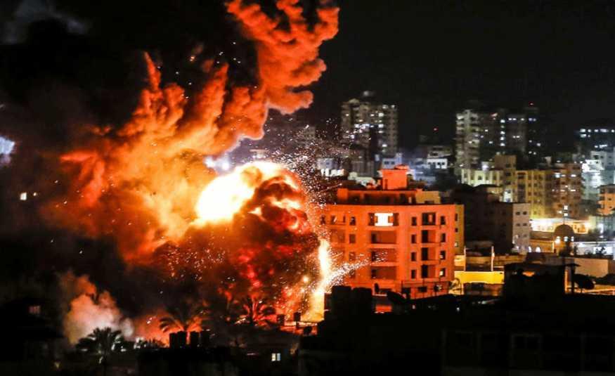 إسرائيل تستهدف عدة مواقع في قطاع غزة